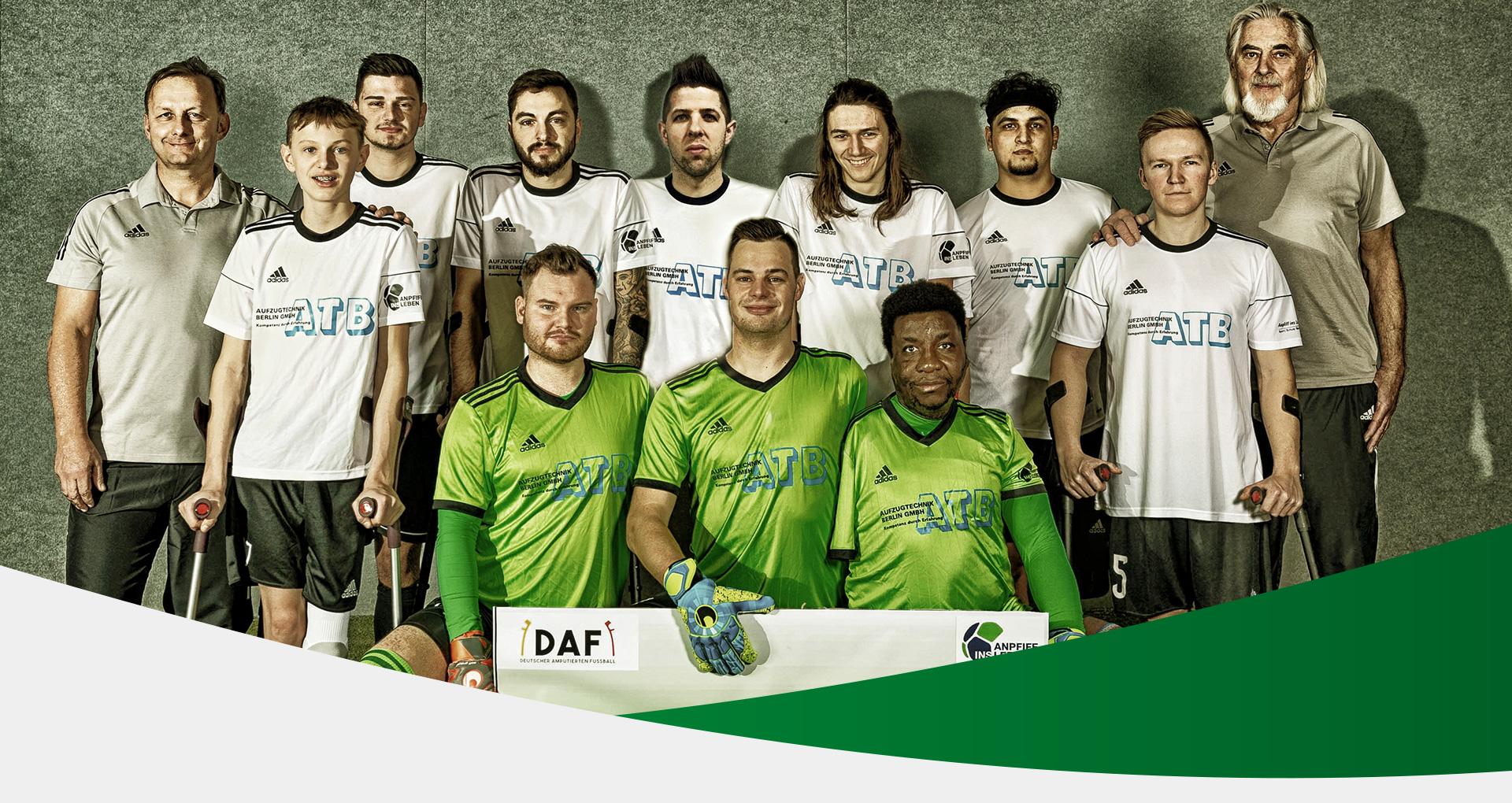 Kopfbild: Gruppenbild der deutschen Amputierten Fußball Nationalmannschaft Krakau 2021