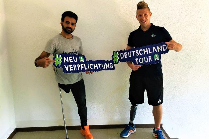 Christian Heintz und neuer Amputierten-Fußballer Obaid Yasenin